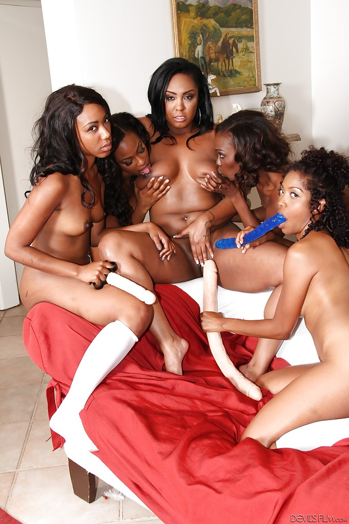 Black Pussy Eating Orgy
